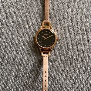 New rose gold Fossil watch with working battery